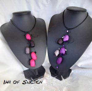 Halsband, cerisa eller lila silkeskokonger
